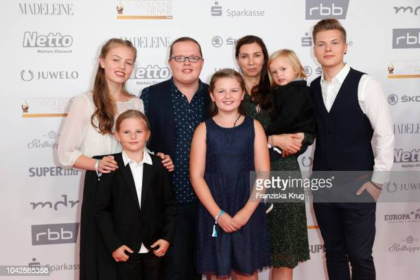 Angelo Kelly his wife Kira Harms Kelly and their five children attend the Goldene Henne on September 28 2018 in Leipzig Germany