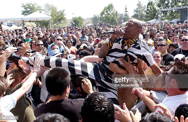 Angelo Moore and Fishbone perform at KROQ's Inland Invasion 5 on September 17 2005 in Devore California