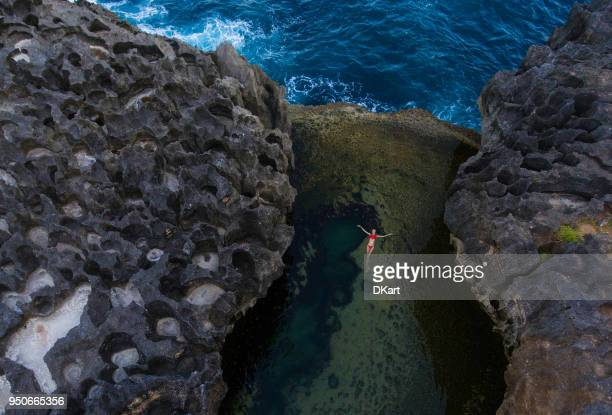 angel's billabong, nusa penida, indonesia - bottomless girls stock photos and pictures