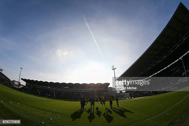 Angers' players' training during the French Ligue 1 match between Angers and Saint Etienne on November 27 2016 in Angers France