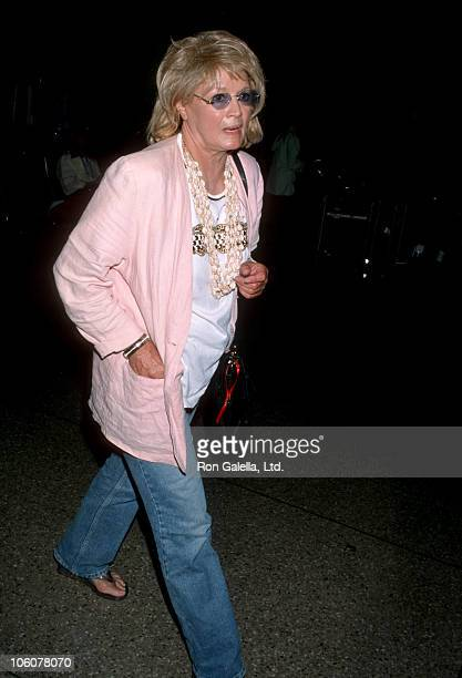 Angie Dickinson during Angie Dickinson Arriving from London May 19 1999 at Los Angeles International Airport in Los Angeles California United States