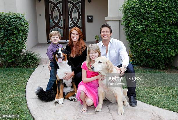 SWAP Angie Everhart/Pat Gina Neely Supermodel and actress Angie Everhart and Food Network Stars and bestselling authors Pat Gina Neely are featured...