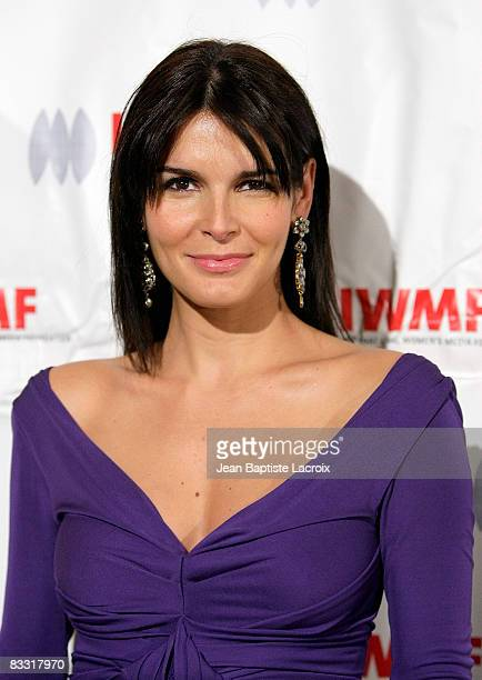 Angie Harmon attends the International Women's Media Foundation's Courage in Journalism Awards at the Beverly Hills Hotel on October 16 2008 in...