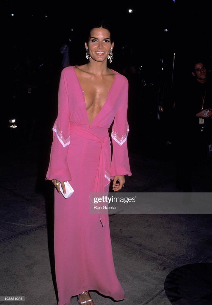 Angie Harmon during 2002 Vanity Fair Oscar Party Hosted by Graydon Carter - Arrivals at Morton's Restaurant in Beverly Hills, California, United States.