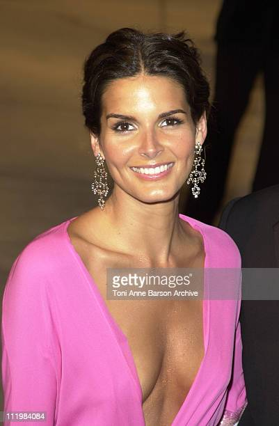 Angie Harmon during 2002 Vanity Fair Oscar Party Hosted by Graydon Carter Arrivals at Morton's Restaurant in Beverly Hills California United States