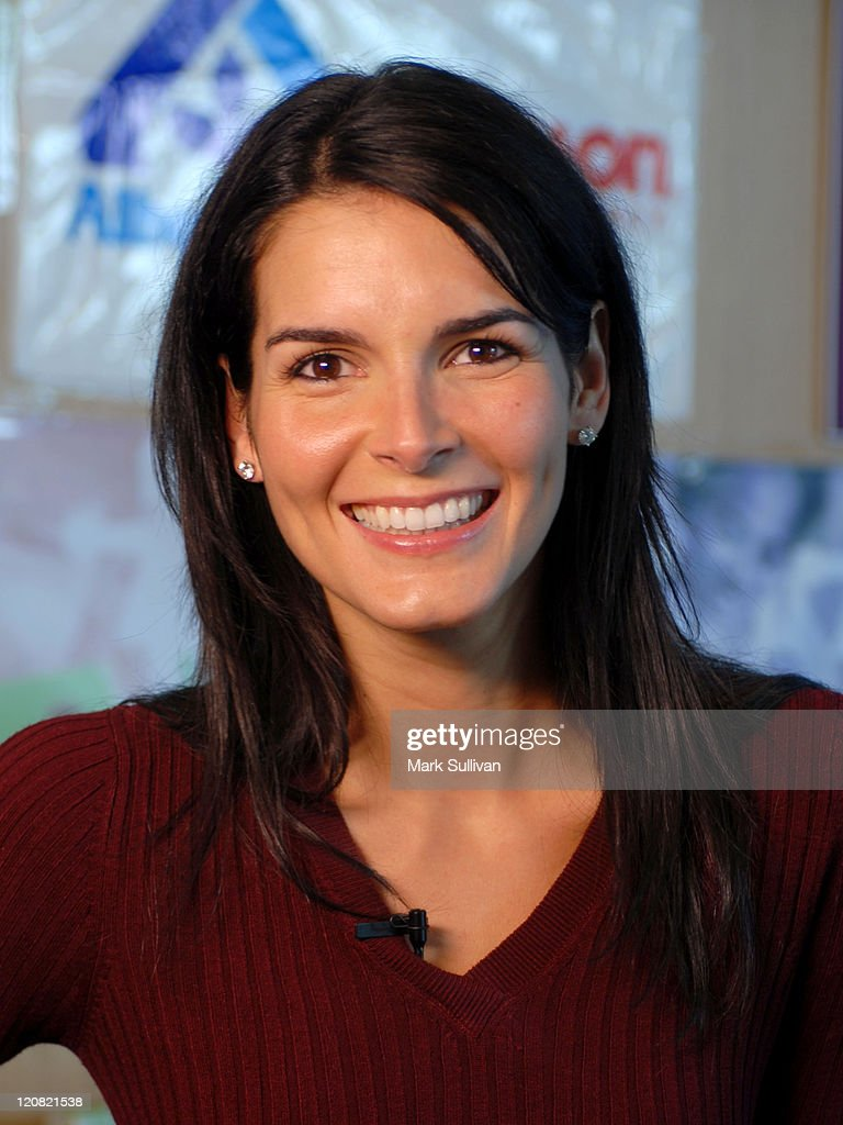 Angie Harmon During Angie Harmon And Jason Sehorn Host Pre Thanksgiving  Dinner Event At Kitchen