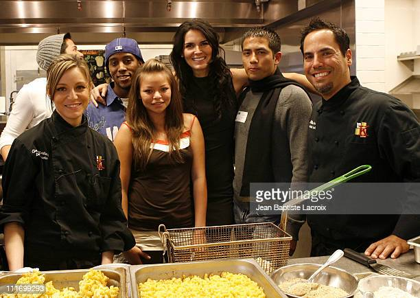 Angie Harmon during the PreThanksgiving dinner hosted by Angie Harmon and Jason Sehorn at the Kitchen Academy on November 17 2007 in Hollywood...