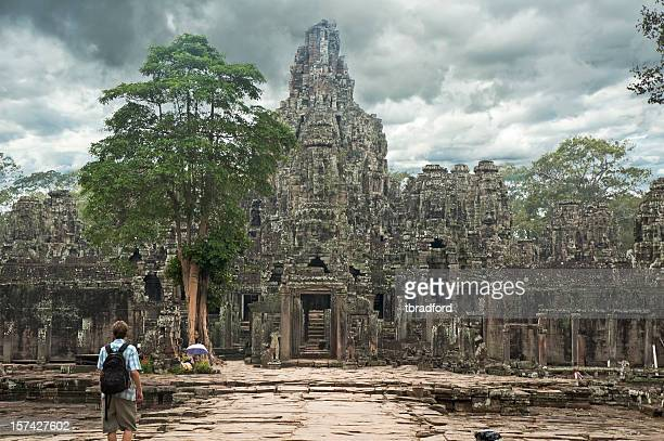 angkor thom, bayon temple near angkor wat in cambodia - khmer stock pictures, royalty-free photos & images