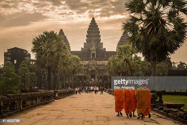 angkor wat one of the seven wonders of the world in cambodia. - kambodschanische kultur stock-fotos und bilder