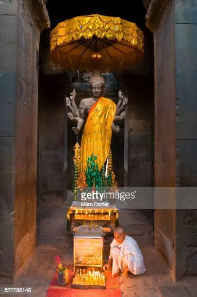 angkor wat temple - angkor wat stock pictures, royalty-free photos & images