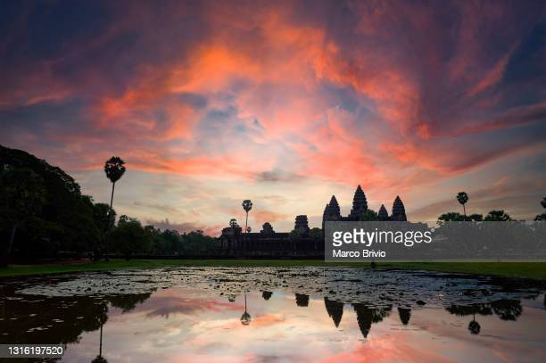 angkor wat temple. siem reap. cambodia - marco brivio stock pictures, royalty-free photos & images