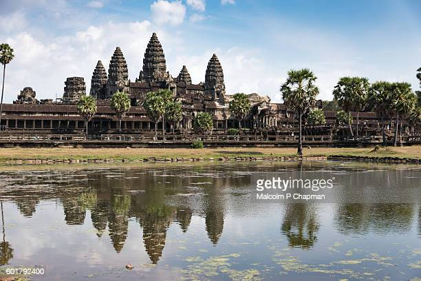 """angkor wat temple with reflection in lake, siem reap, cambodia - cambodia """"malcolm p chapman"""" or """"malcolm chapman"""" stock pictures, royalty-free photos & images"""