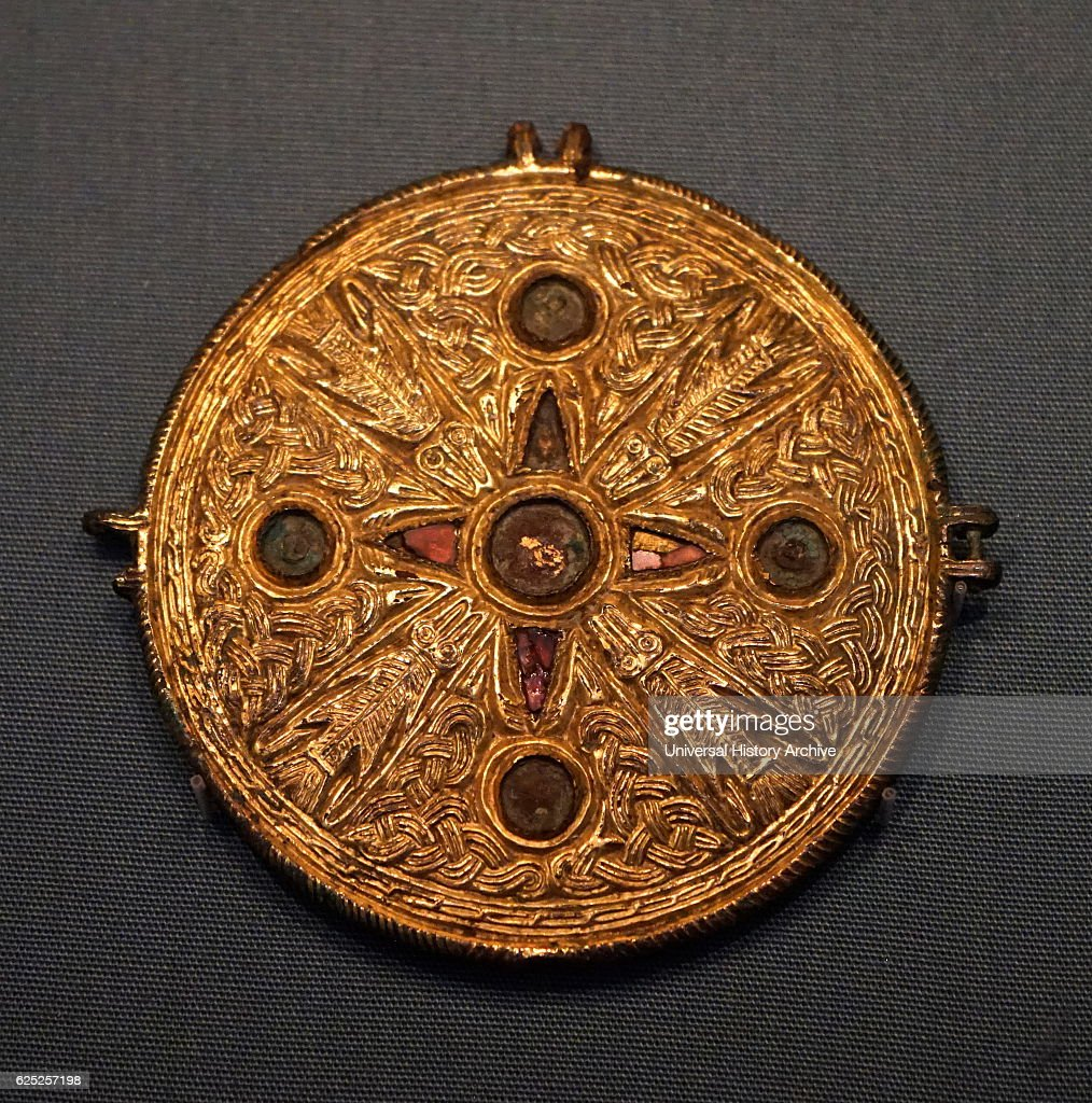 Anglo saxon fine gold buckle pictures getty images anglo saxon fine gold buckle depicting an early christian symbol dated 7th century buycottarizona Images