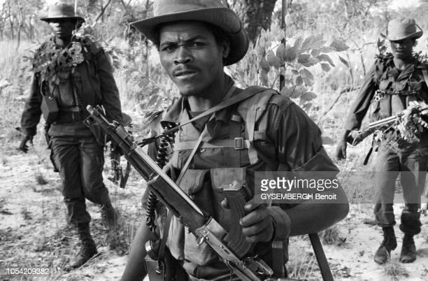 Angola, Août 1986 --- La guerre civile angolaise oppose depuis 1975 le régime marxiste du MPLA à la guérilla de l'UNITA, soutenue par les Etats-Unis...