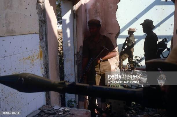 Angola Août 1986 La guerre civile angolaise oppose depuis 1975 le régime marxiste du MPLA à la guérilla de l'UNITA soutenue par les EtatsUnis et...