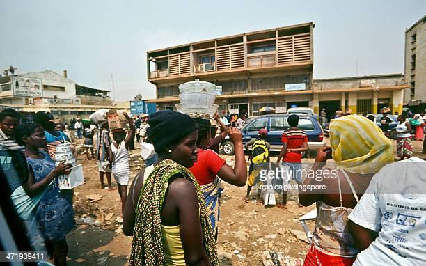 Angola, Luanda, crowds in the suburbs.