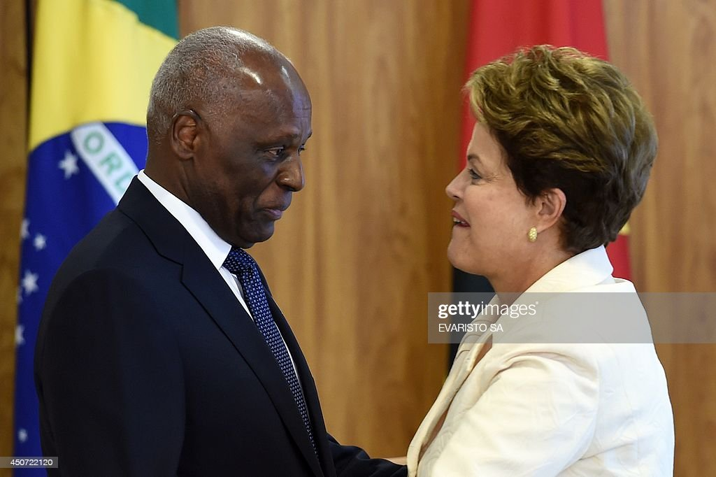 BRAZIL-ANGOLA-ROUSSEFF-SANTOS : News Photo