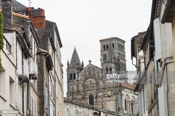 angouleme cathedral, france - charente stock pictures, royalty-free photos & images