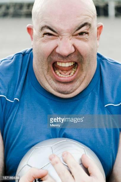 Verärgert Mann, verrückter soccer player