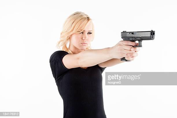 mulher irritada com uma arma - mulheres com armas imagens e fotografias de stock