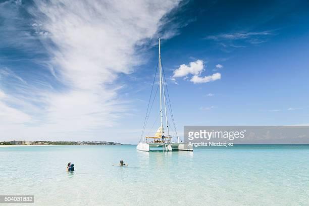Anguila, blue sea