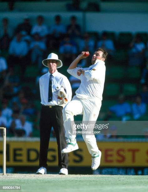 Angus Fraser bowling for England during the 5th Test match between Australia and England at the WACA Perth Australia 3rd February 1995 The umpire is...