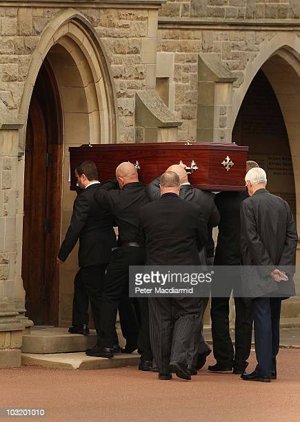 Angus Moat leads pallbearers carrying the coffin of his brother Raoul Moat at West Road Crematorium on August 2, 2010 in Newcastle upon Tyne,...