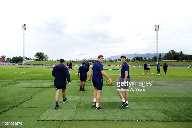 Angus ScottYoung of Queensland Country checks out the field with the team ahead of the NRC Grand Final match between Fijian Drua and Queensland...