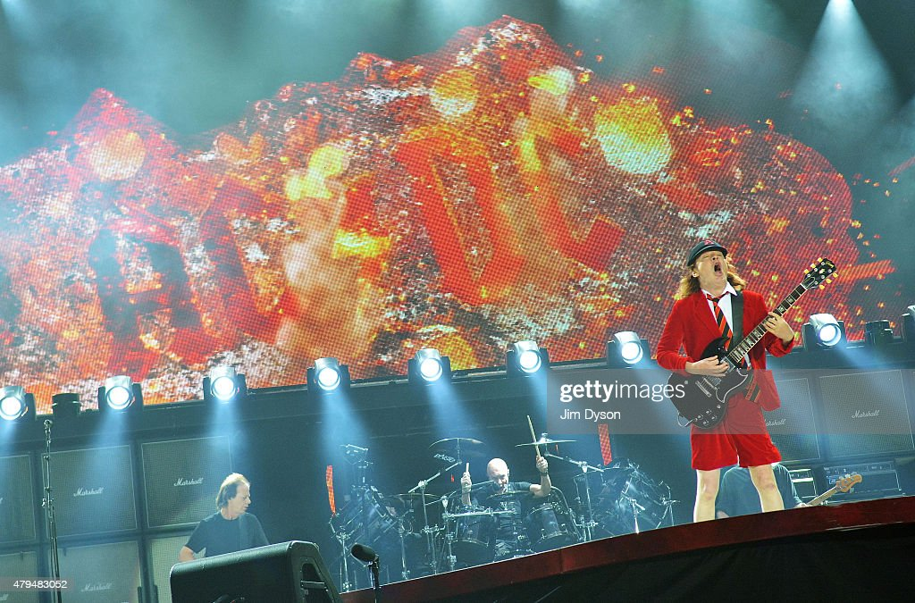 AC/DC Perform At Wembley Stadium : News Photo