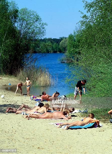 FKK Anhänger an einem kleinen Seein der Schorfheide 1994