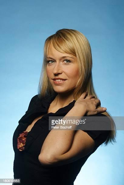 Sternzeichen Zwilling Portrait Schauspielerin Pressekonferenz zur ARDHoroskopReihe 'Im Zeichen der Sterne' Folge 'Aszendent Liebe' Sternkuppel im...