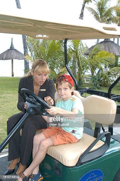 Anica Dobra Serverin Sonntag am Rande der Dreharbeiten zur ARDReihe'Traumhotels' 1Folge 'Sterne über Mauritius' Hotel 'Dinarobin' Le Morne/Mauritius...
