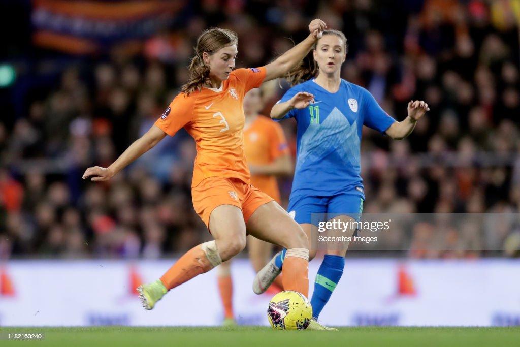 Holland  v Slovenia  -EURO Qualifier Women : News Photo