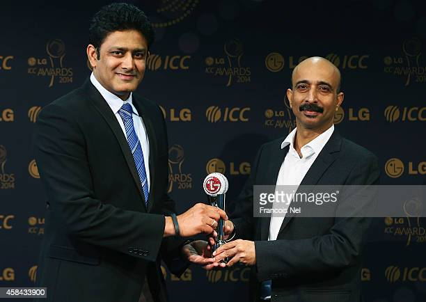 Anil KumbleChairman of the ICC Cricket Commitee receive the LG People's Choice Award 2014 on behalf of Bhuvneshwar Kumar of India from Sanjay...
