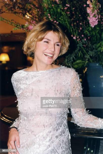 L'animatrice Alexandra Bronkers le 27 mars 1999 à Deauville France
