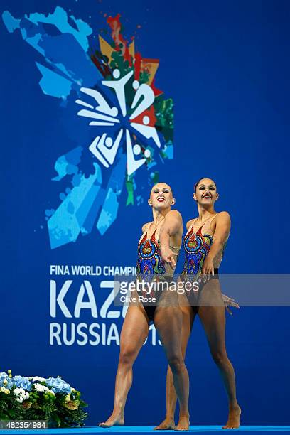 Anita Alvarez and Mariya Koroleva of the United States compete in the Women's Duet Free Synchronised Swimming Final on day six of the 16th FINA World...