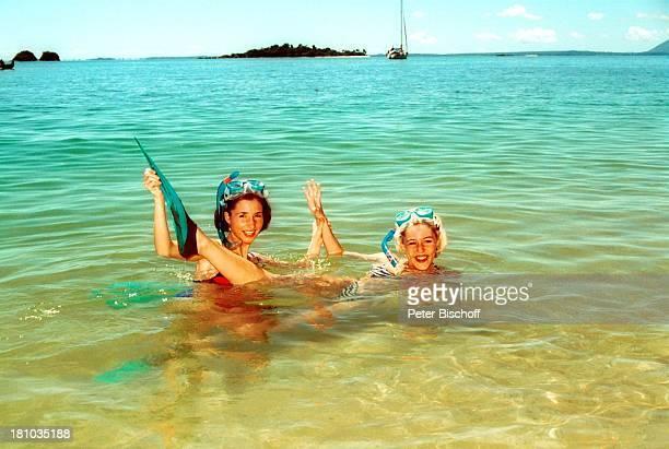 Anita Hofmann Schwester Alexandra Landgang während Kreuzfahrt '1001 Nacht' Nosy Komba/Insel Madagaskar/OstAfrikaAfrika ostafrikanische...