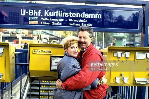 Anita Kupsch Ehemann KlausDetlef Krahn Homestory Berlin Deutschland Europa Schauspielerin Stirnband UBahnhof