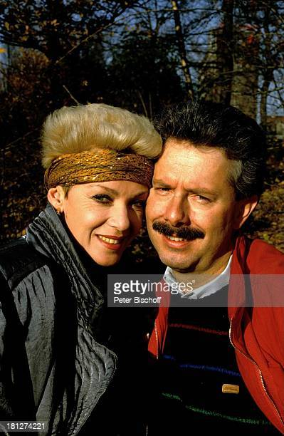 Anita Kupsch Ehemann KlausDetlef Krahn Homestory Berlin Deutschland Europa Schauspielerin Stirnband