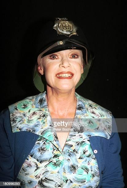 Anita Kupsch KriminalKomödie Keine Leiche ohne Lily Hambergen Mehrzweckhalle Theater BobbyHelmPNr 112/03 TM/GT
