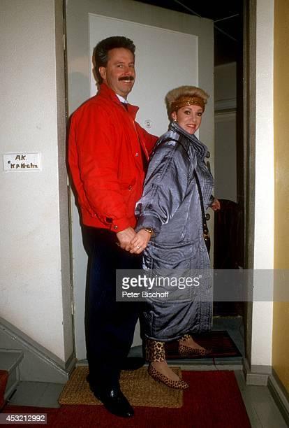 Anita Kupsch Lebensgefährte KlausDetlef Krahn am zu Hause in Berlin Deutschland
