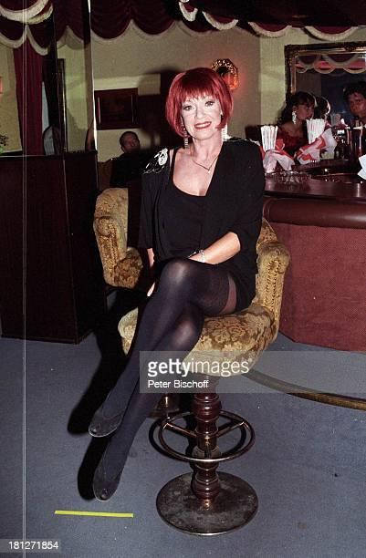 Anita Kupsch ZDFReihe Frauen morden leichter Episode Doppelhochzeit Hamburg 2202 1996 EdelBordell Club NachtClub BarHocker sexy rote Haare Perücke...
