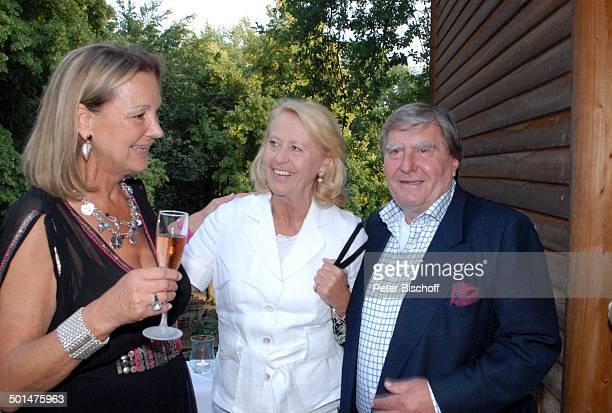 Anja Hauptmann Gratulanten Feier zum 70 Geburtstag von Anja Hauptmann Restaurant 'Fischerhütte am Schlachtensee' Zehlendorf Berlin Deutschland Europa...