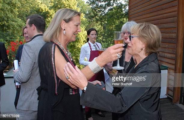 Anja Hauptmann Gratulantin Feier zum 70 Geburtstag von Anja Hauptmann Restaurant 'Fischerhütte am Schlachtensee' Zehlendorf Berlin Deutschland Europa...