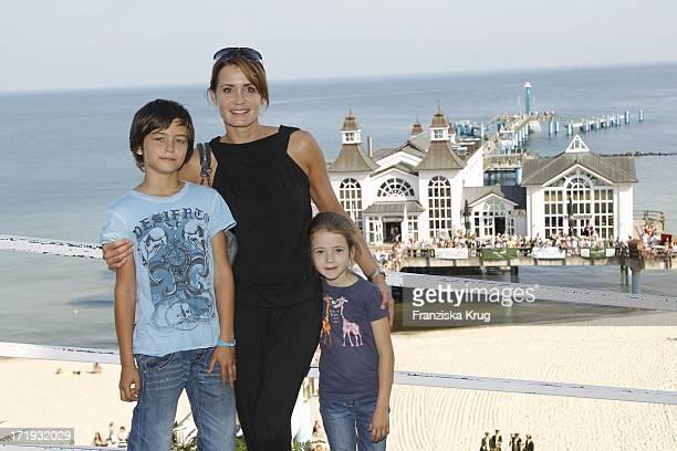 Anja Kling Mit Ihrem Sohn Tano Und Tochter Alea Beim 5 Rügen Cross Country Schleppjagd Event