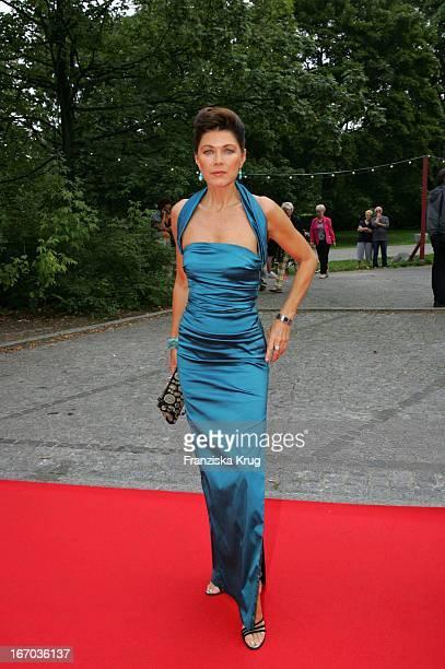 Anja Kruse Bei Der Verleihung Des Brisant Brillant Im Tipi Zelt Am Kanzleramt In Berlin Am 030905