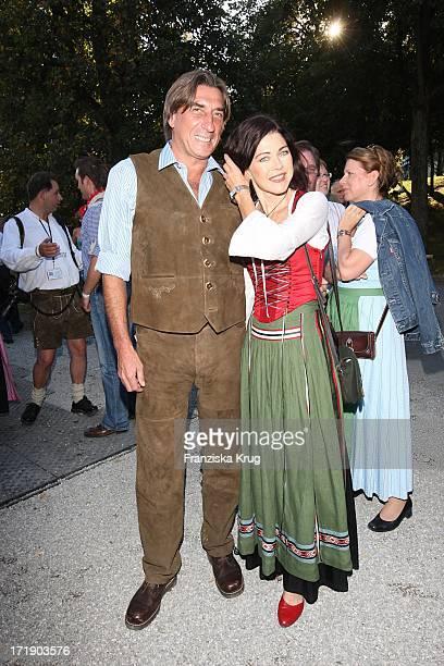 Anja Kruse Und Freund Norbert Blecha Beim Condor Stammtisch Im Hippodrom Auf Dem Oktoberfest In München Am 220907