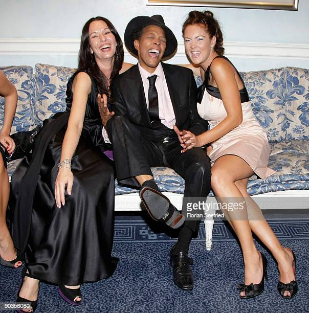 Anja Lukaseder singer Marla Glen and wife Sabrina Conley attend the 'UNICEFGala' at Park Hotel on September 5 2009 in Bremen Germany