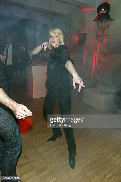 Anja Nejarri Beim 'Gala Style Club' Unter Dem Motto 'Where Fashion Meets Music' Im Elbdock In Hamburg