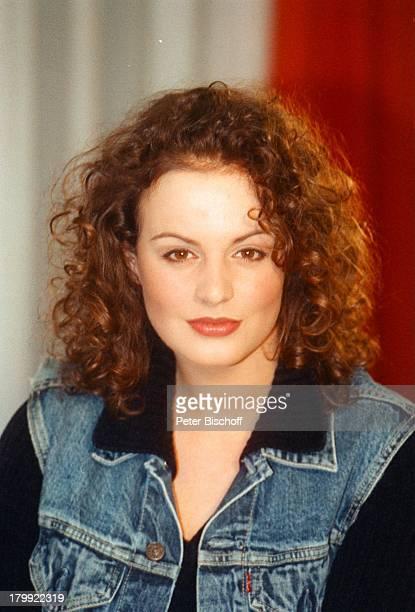 Anja Nejarri Porträt Schauspielerin